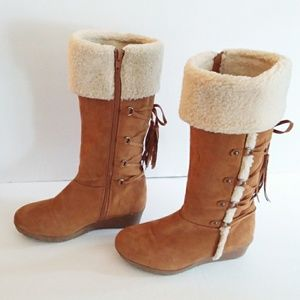 American Eagle Brown Suede Shearling Lace Up Boots